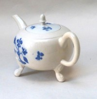 White Salt-glazed Stoneware teapot and cover decorated blue stained sprigging