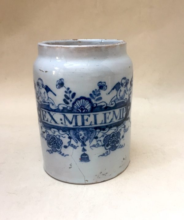 English Delftware blue and white pill ja